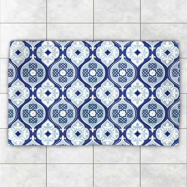 Laural Home 'Moody Blues' Multicolor Polyester Pattern Accent Rug - 2' x 3'