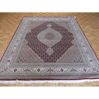 Hand-knotted Oriental Mahi Tabriz Red Wool and Silk Rug (8'4 x 10)