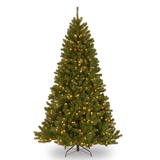Green 6.5-foot Artificial North Valley Spruce Tree with 450 Clear Lights