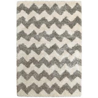 Chevron Stripes Grey/Ivory Polypropylene Shag Rug (3'10 x 5'5)