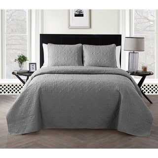 VCNY Caroline 3 piece Embossed Quilt Set