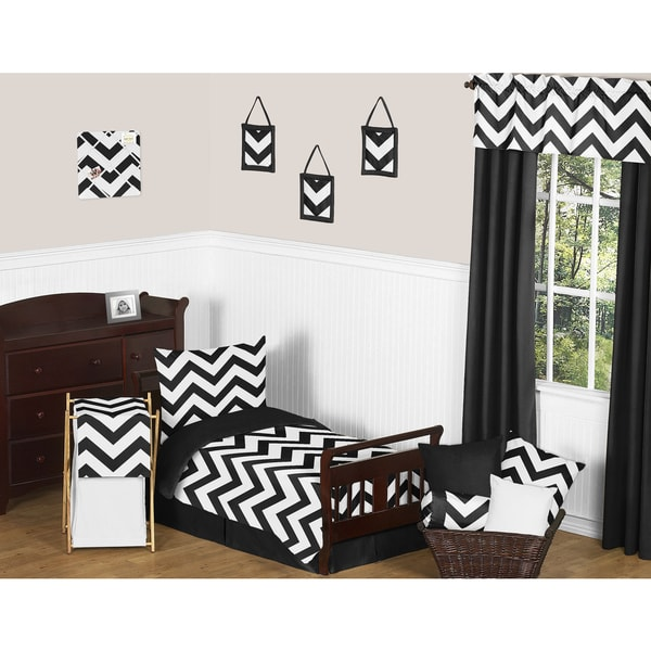 shop sweet jojo designs 5 piece black and white chevron toddler size bed in a bag with sheet set. Black Bedroom Furniture Sets. Home Design Ideas