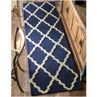 nuLOOM Handmade Alexa Moroccan Trellis Wool Runner Rug (2'6 x 12')