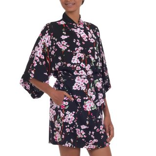 Handcrafted Rayon 'Spring Cherry Blossom' Short Batik Robe (Indonesia)