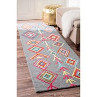 The Curated Nomad Escolta Moroccan Triangle Wool Hand-tufted Runner Rug (2'6 x 12')