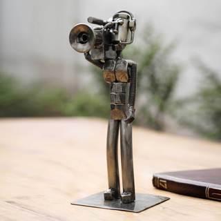 Handmade Recycled Metal 'Rustic Cameraman' Sculpture (Peru)