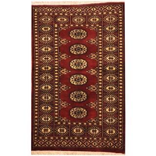 Handmade Herat Oriental Pakistani Bokhara Wool Rug (Pakistan) - 2'6 x 4'