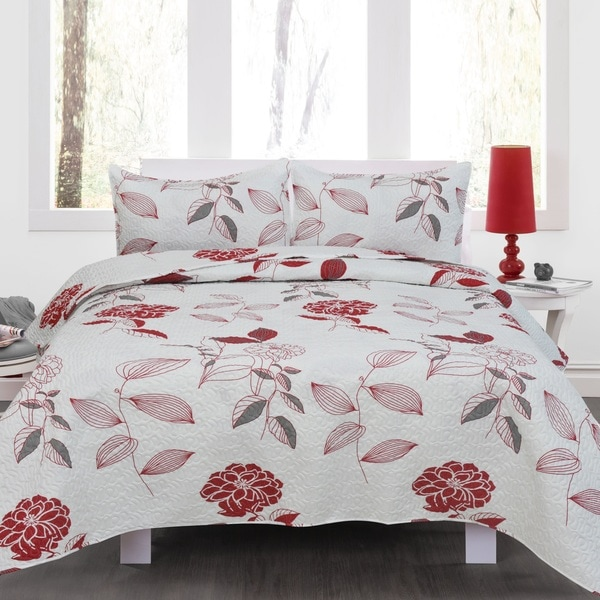 Jenna Red Floral 3 Piece Quilt Set