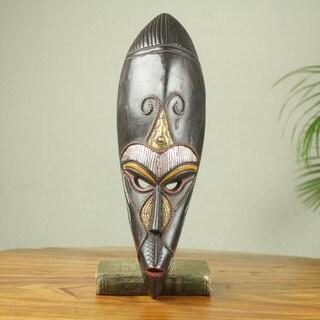 Handmade Sese Wood 'Biri' African Wall Mask (Ghana)