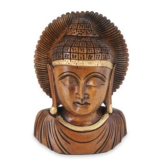 Handcrafted Kadam Wood 'Peaceful Indian Buddha' Sculpture (India)