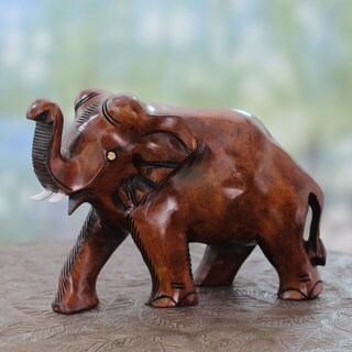 Handmade Kadam Wood 'Elephant Guard' Sculpture (India)