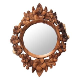 Handcrafted Suar Wood 'Gianyar Moon' Floral Wall Mirror (Indonesia)