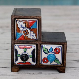 Handcrafted Mango Wood Ceramic 'Triad Colors' Decorative Box (India)