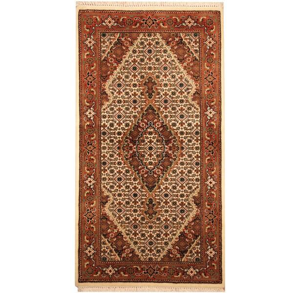 Handmade Herat Oriental Indo Tabriz Wool & Silk Rug (India) - 2'5 x 4'7