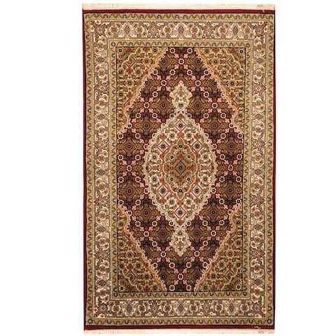 Handmade One-of-a-Kind Tabriz Wool and Silk Rug (India) - 2'8 x 4'5