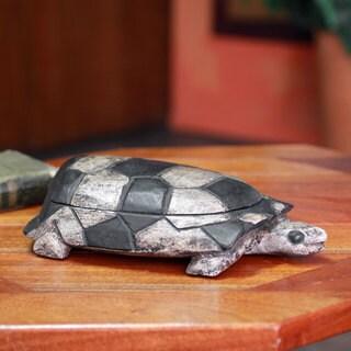 Handcrafted Sese Wood 'Tortoise Wisdom' Decorative Box (11 inches) (Ghana)