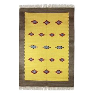 Handmade Wool 'Sunshine and Starlight' Dhurrie Rug (India) - 4x6