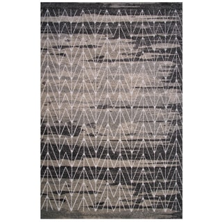 Cancun Collection Black and Gray Arrow Pattern Area Rug 5'x8'