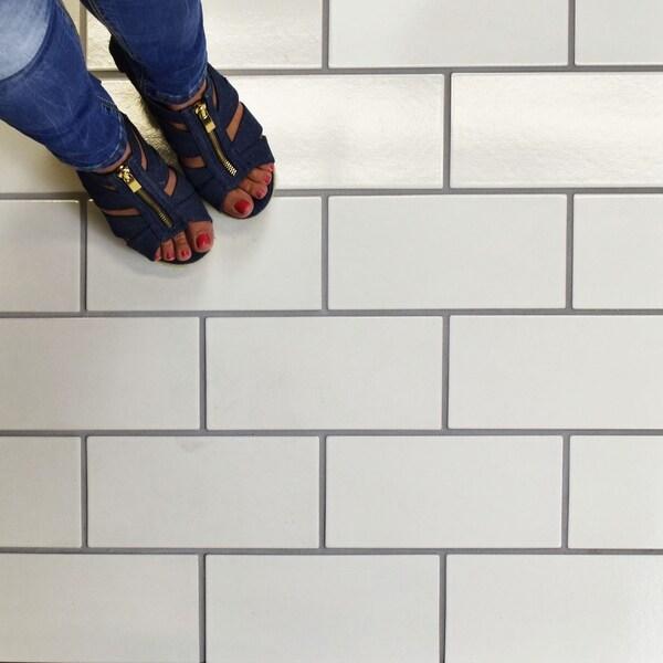 SomerTile 4.75x9.625-inch Piscine Brick Glossy White Porcelain Floor and Wall Tile (34 tiles/11.44 sqft.). Opens flyout.