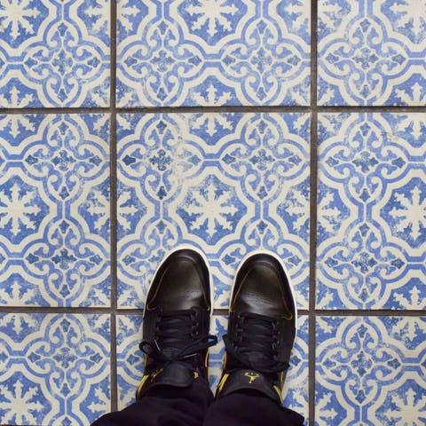 SomerTile 12.75x12.75-inch Clinker Alcazar Magnolia Quarry Floor and Wall Tile (6 tiles/7.04 sqft.)