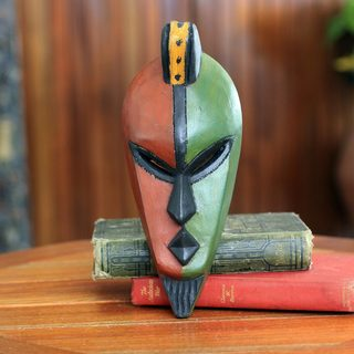 Handcrafted Sese Wood 'Desire for Peace' African Mask (Ghana)