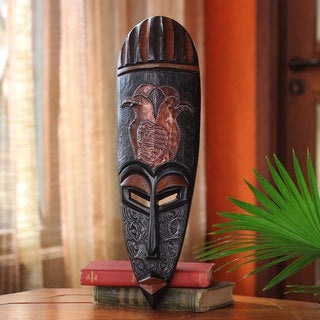 Handcrafted Sese Wood 'Vigilant Birds' African Wall Mask (Ghana)