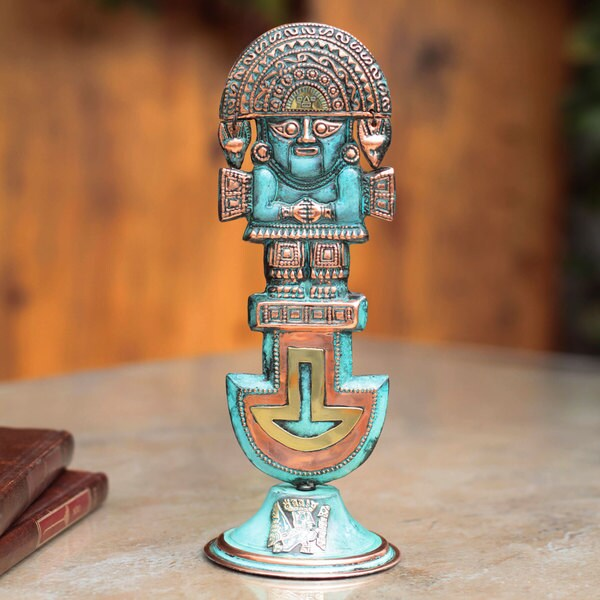 Handmade Bronze Copper 'Noble Tumi' Sculpture (Peru)