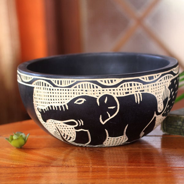 Handcrafted Sese Wood 'African Wildlife' Decorative Bowl (Ghana)