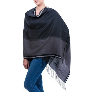 Handcrafted Alpaca Silk 'Night Mist' Shawl (Peru)