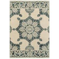 Two-tone Floral Medallion Ivory/ Blue Area Rug (5'3 x 7'6)