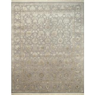 Hand Knotted Soft Gray Classic Pattern Rug (4' X 6')