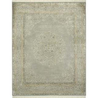 Hand Knotted Crystal Gray Traditional Medallion Pattern Rug (4' X 6')