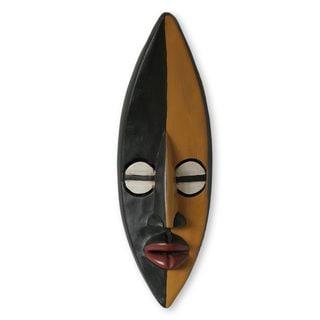 Handmade Sese Wood 'Companionship' African Wall Mask (Ghana)