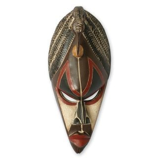 Handcrafted Sese Wood 'A Chief's Role' African Mask (Ghana)