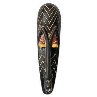 Handmade Sese Wood 'Fang Protector' African Wall Mask (Ghana)