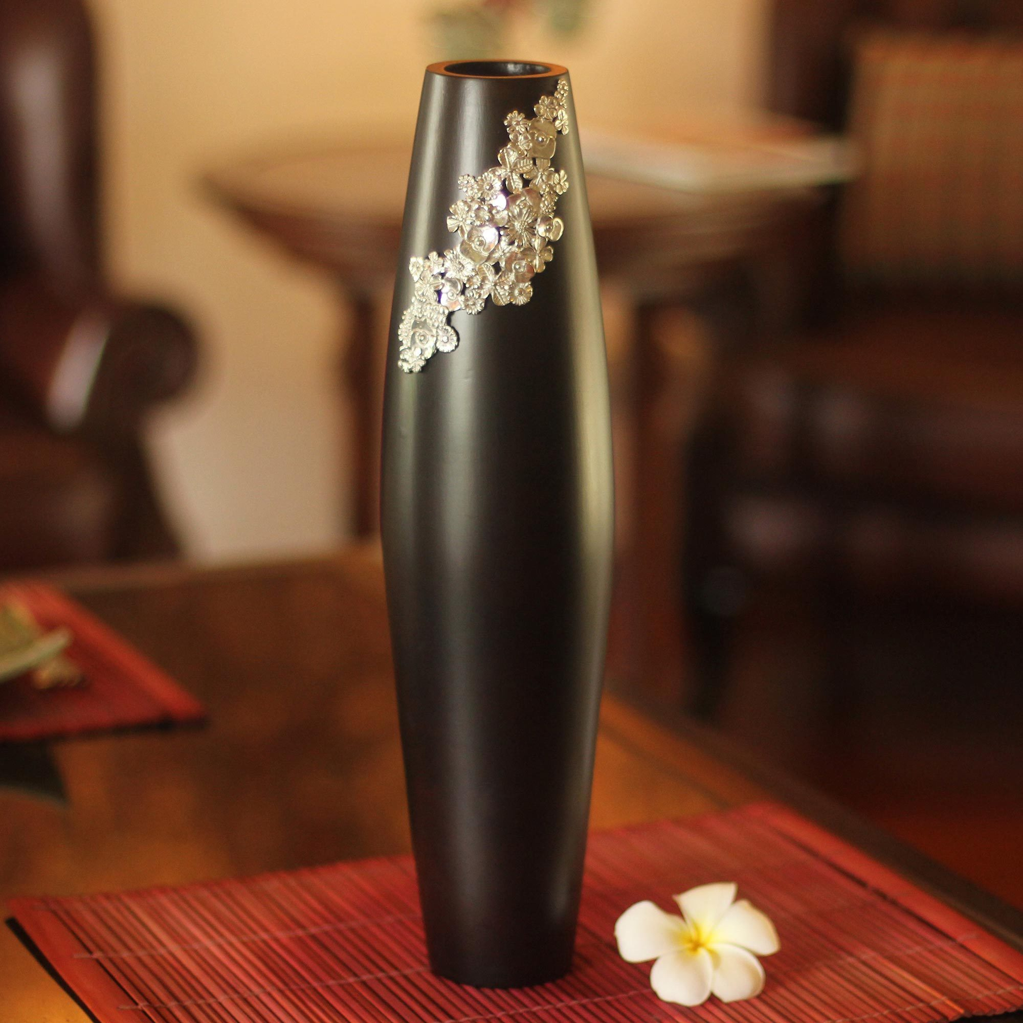 Decorative Daisy Flower Black and Brown Mango Tree Wooden Vase