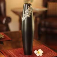 Handmade Mango Wood Pewter 'Thai Garden' Vase (Thailand)