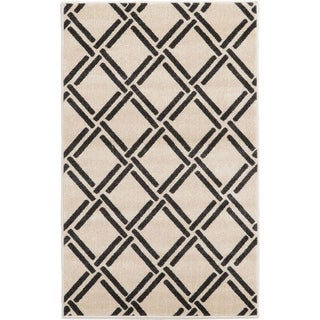 Geometric Rayon from Bamboo Trellis Beige/Black Polypropylene Power-loomed Area Rug (3' 5 x 5')