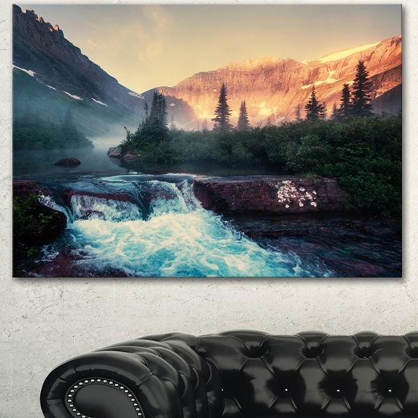 Designart 'Glacier National Park Montana' Landscape Art Print Canvas - Green