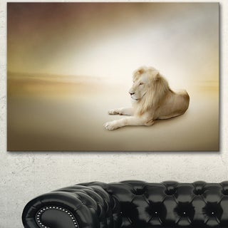 Designart 'Relaxing King of Animals' Large Animal Art on Canvas