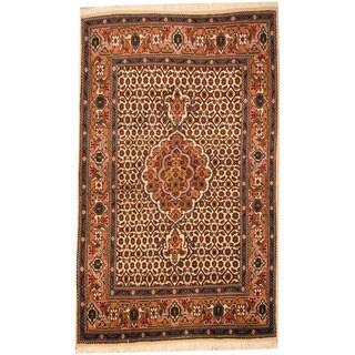 Handmade Herat Oriental Persian Tabriz Wool & Silk Rug (Iran) - 2'8 x 4'5