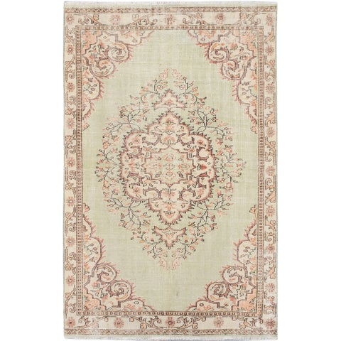 ecarpetgallery Hand-Knotted Anatolian Sunwash Green Wool Rug (5'7 x 8'9)