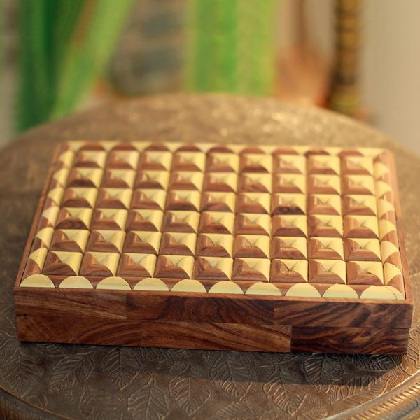 Handmade Indian Elm Wood 'Delhi Enigma' Decorative Box (India)