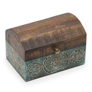 Antiqued Metal Chest|https://ak1.ostkcdn.com/images/products/13150398/P19877429.jpg?impolicy=medium
