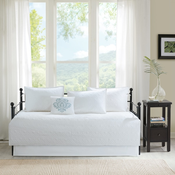 Madison Park Mansfield White 6 Piece Daybed Set