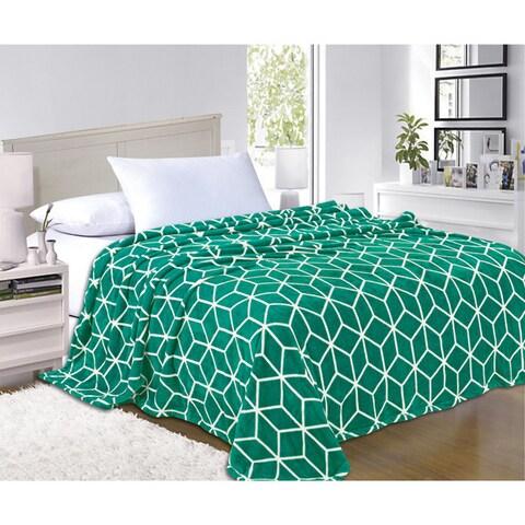 Elegant Comfort Ultra Soft Cube Pattern Fleece Blanket