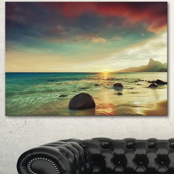 Designart 'Colorful Seashore with Rocky Beach' Large Seashore Canvas Artwork Print