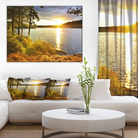 Beautiful View of Sunset over Lake' Landscape Wall Artwork Canvas - Green