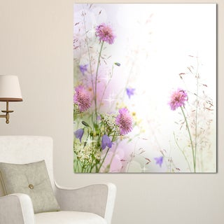 Designart 'Beautiful Pastel Floral Pattern' Floral Canvas Artwork Print - White
