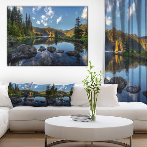 Mountain Lake Surrounded by Trees' Landscape Artwork Canvas Print - Green